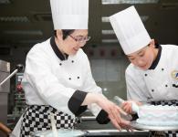 西餐厅糕点厨师人物形象摄影